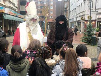 Der Nikolaus zu Besuch in der Innenstadt