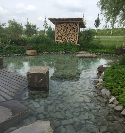 LAGA 2020 Kamp-Lintfort, Wassergarten mit Bienenhotel, Foto: m.h.