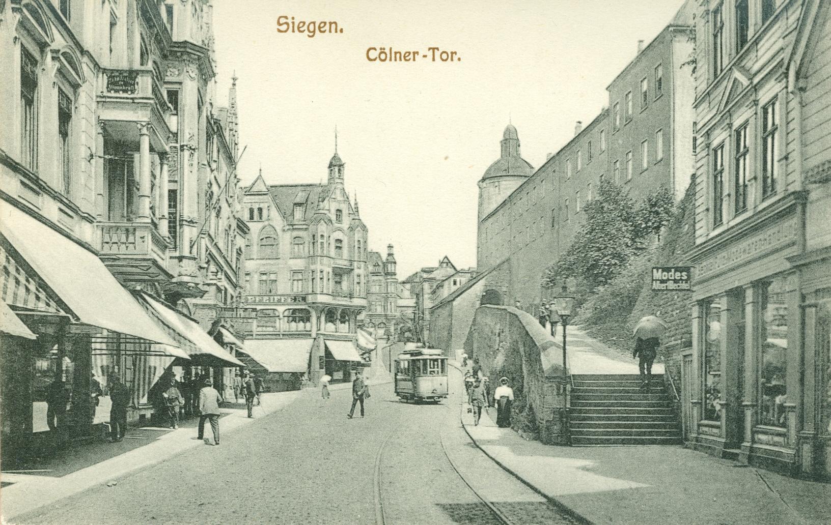 Alte Postkarte. Motiv: Kölner Tor mit Straßenbahn in Siegen