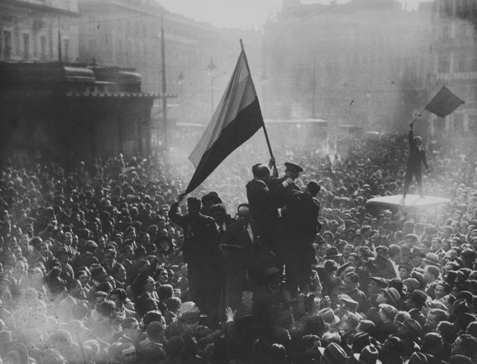 Proclamación de la II República Española, 14 de abril de 1931. Alfonso Sánchez Portela. MNCARS