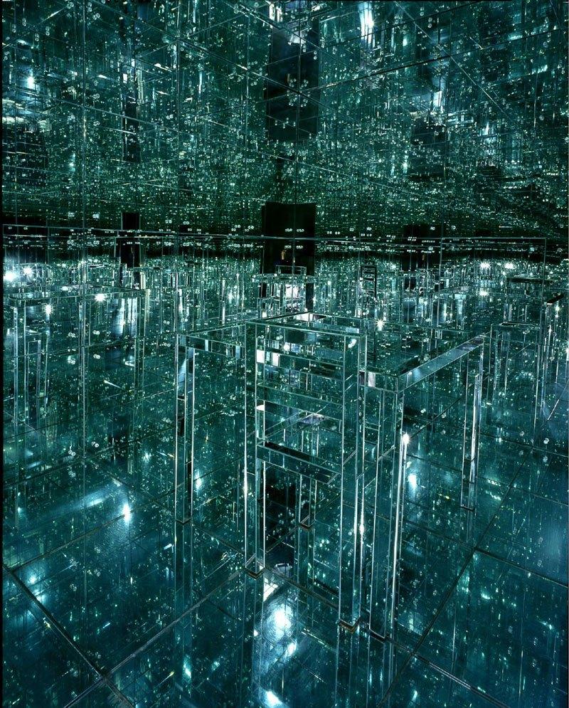 Lucas Samaras' 1966 Mirrored Room