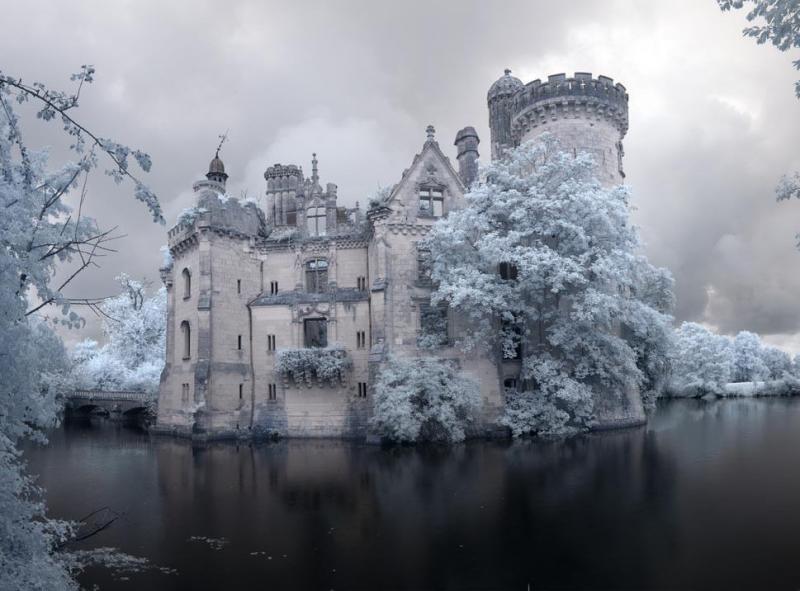 19316cc9445a5bbe1f085ed9f19d5779_castle1