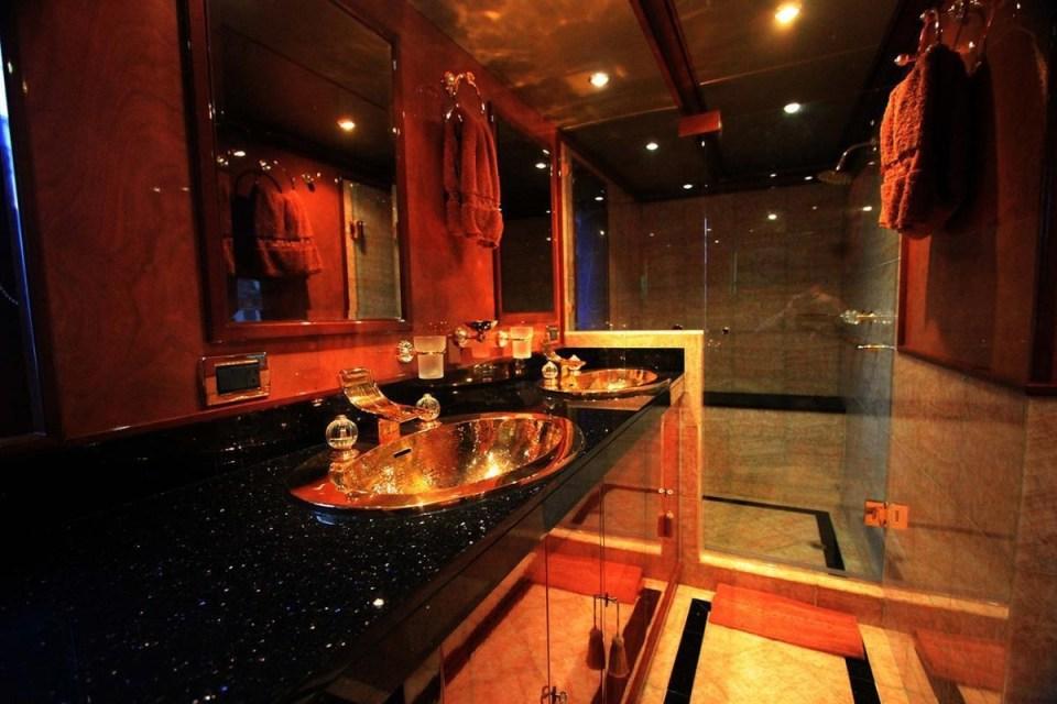 owners-bathroom