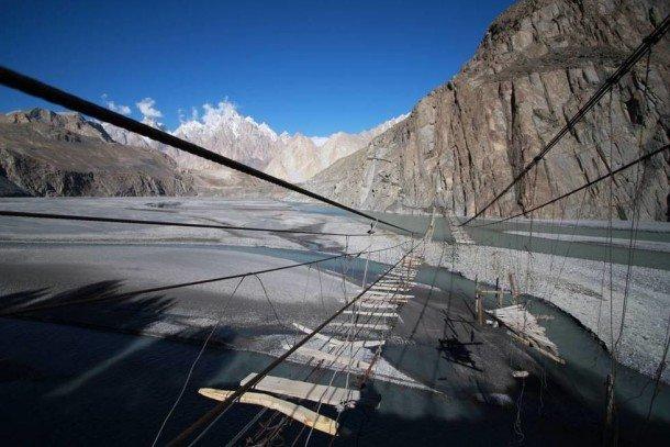Dangerous Bridges Around The World (4)