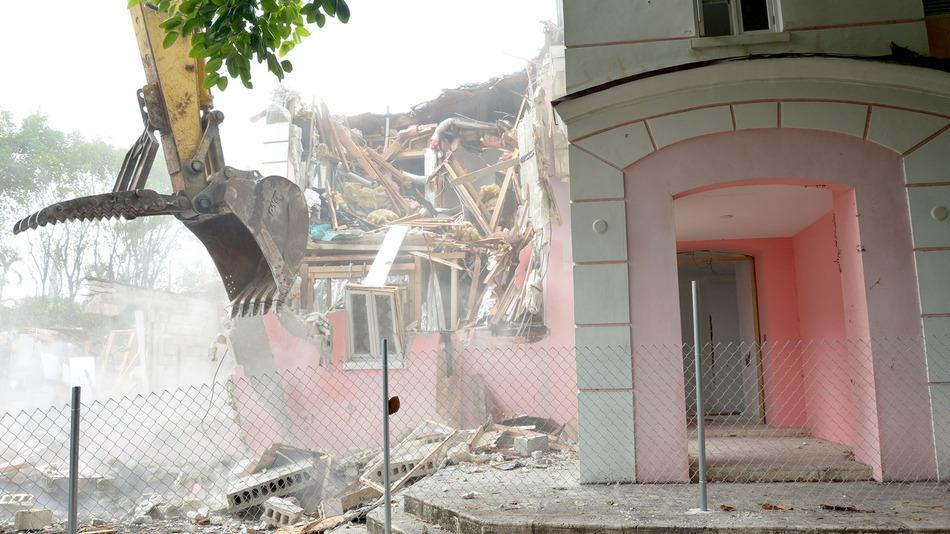 Secret Safe Found During Demolition of Pablo Escobar's Miami Mansion
