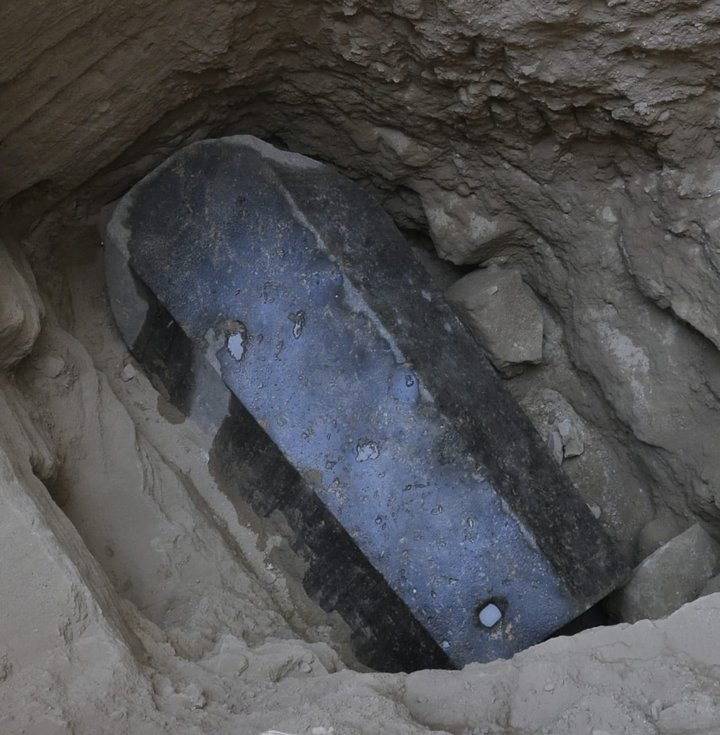 30 Ton Sealed Biggest Ever Black Sarcophagus Unearthed In Egypt - Video