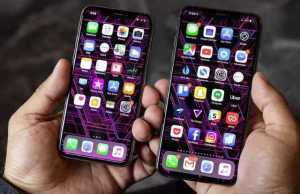 Apple iPhone XR and XS