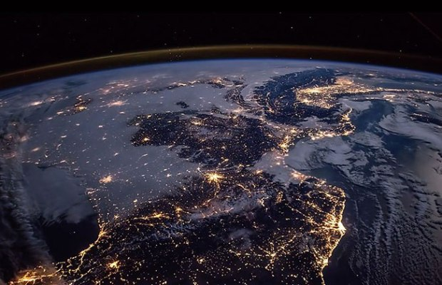 earth-seen-from-iss
