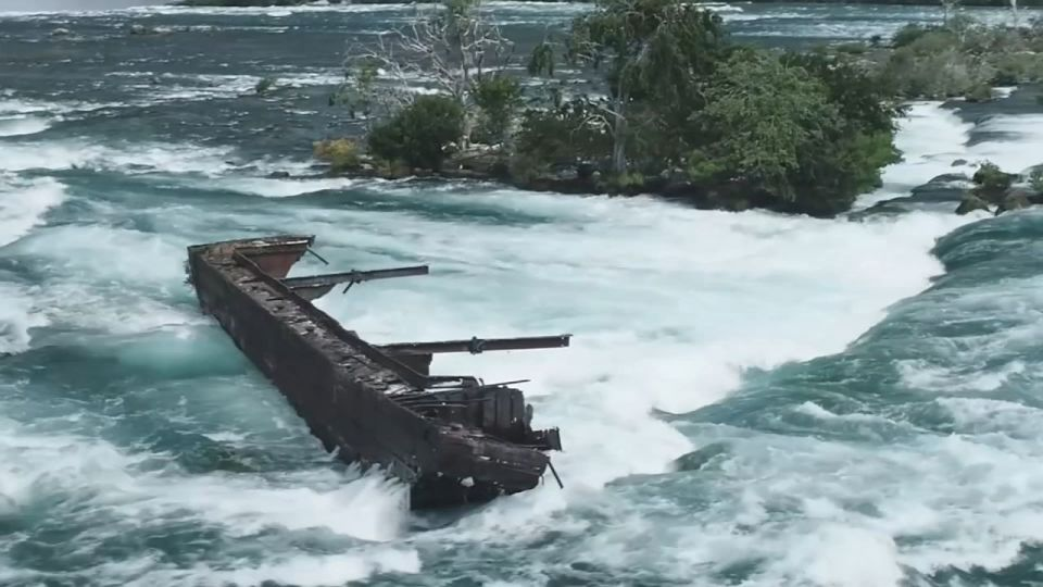 100 Years Old Shipwreck On Top of Niagara Falls