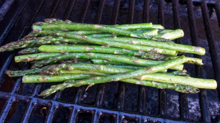 Grilled Asparagus for with unsweetened.ca's 48-hour sous vide beef bavette recipe