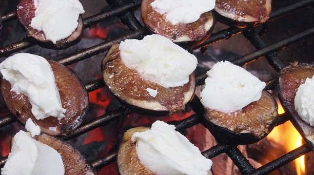 grilled figs with goats cheese