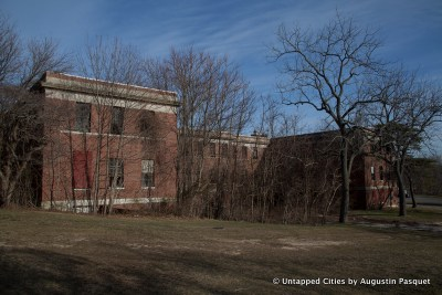 The Abandoned Kings Park Psych Hospital Ruins Inside ...