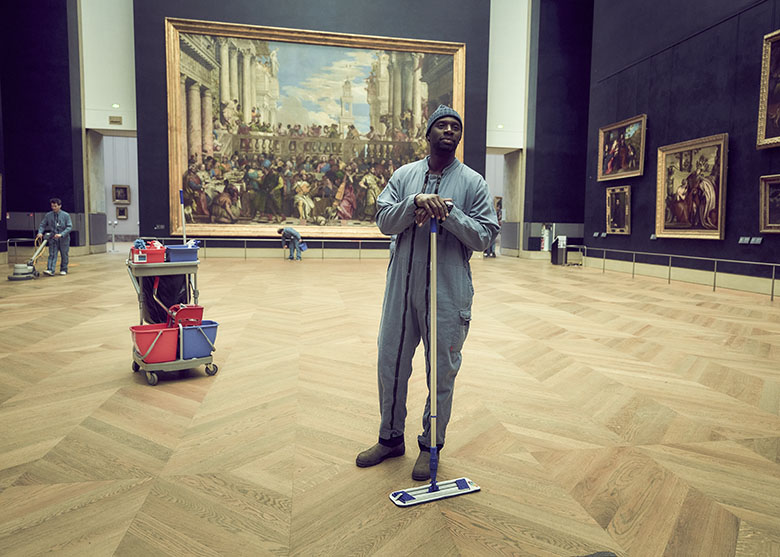 Omar Sy in the Louvre, filming location in Lupin