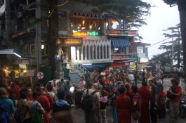 Buntes Treiben in Dharamsala