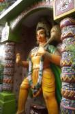 Eine Statue von Hanuman, dem Affengott auf dem Weg ins Kullutal