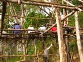 Colombie_ Les paysans reconstruisent une hutte brûlée ©PWS2013