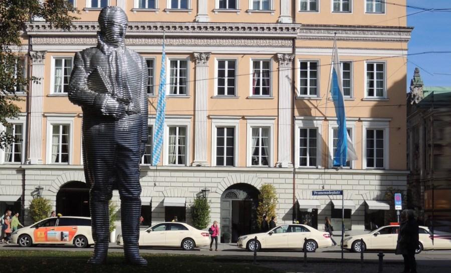 Skulptur Graf von Monteglas unterwegsinsachenkunst