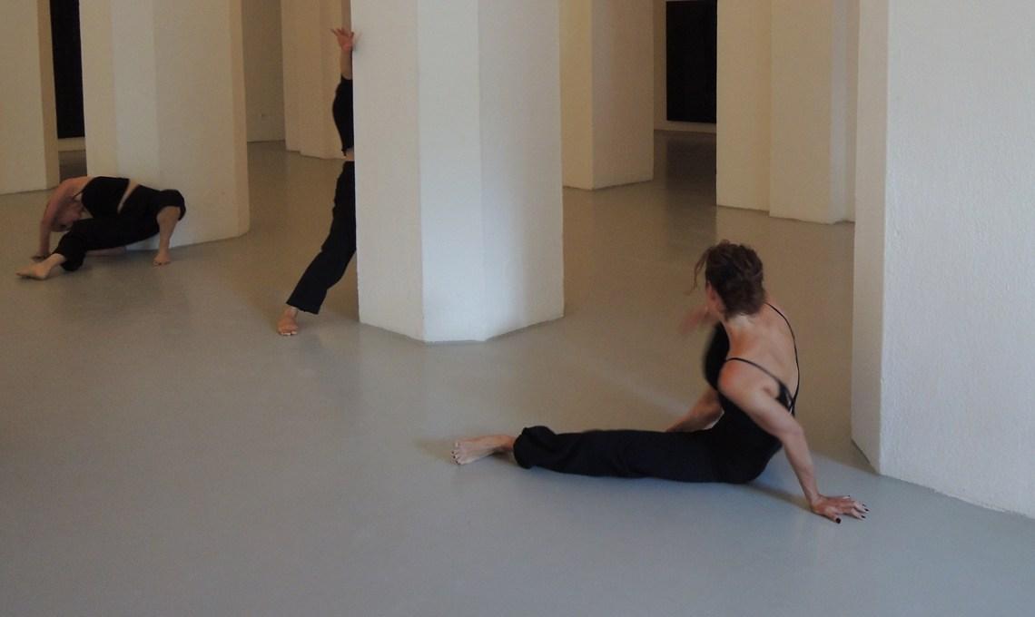 Sommergalerie Tanz Performance unterwegsinsachenkunst