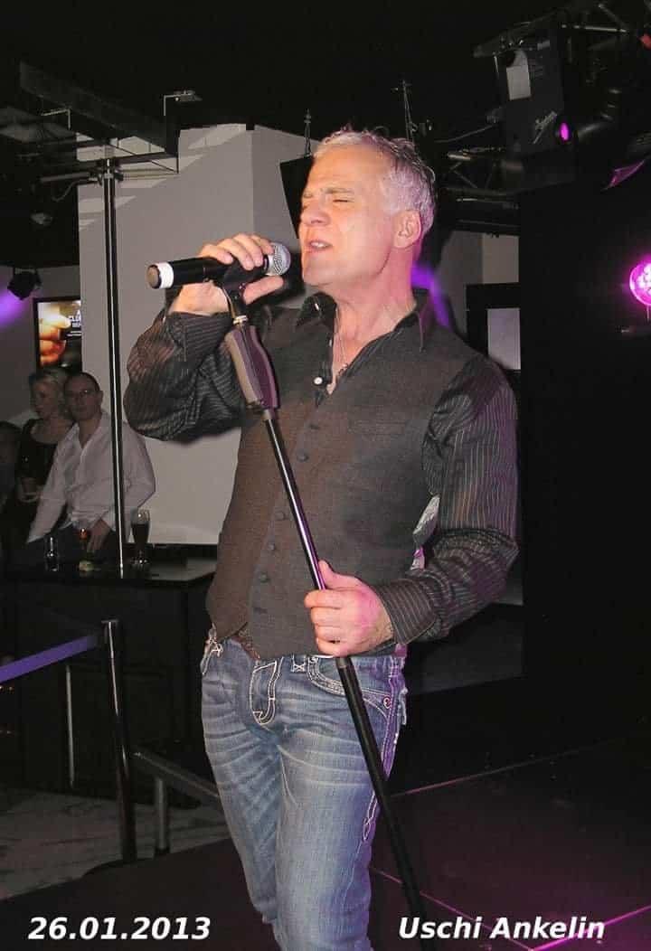 Nino de Angelo auf der Bühne in Bühl bei Mannheim