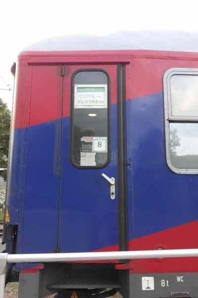 der Flixtrain von Lörrach nach Hamburg von aussen