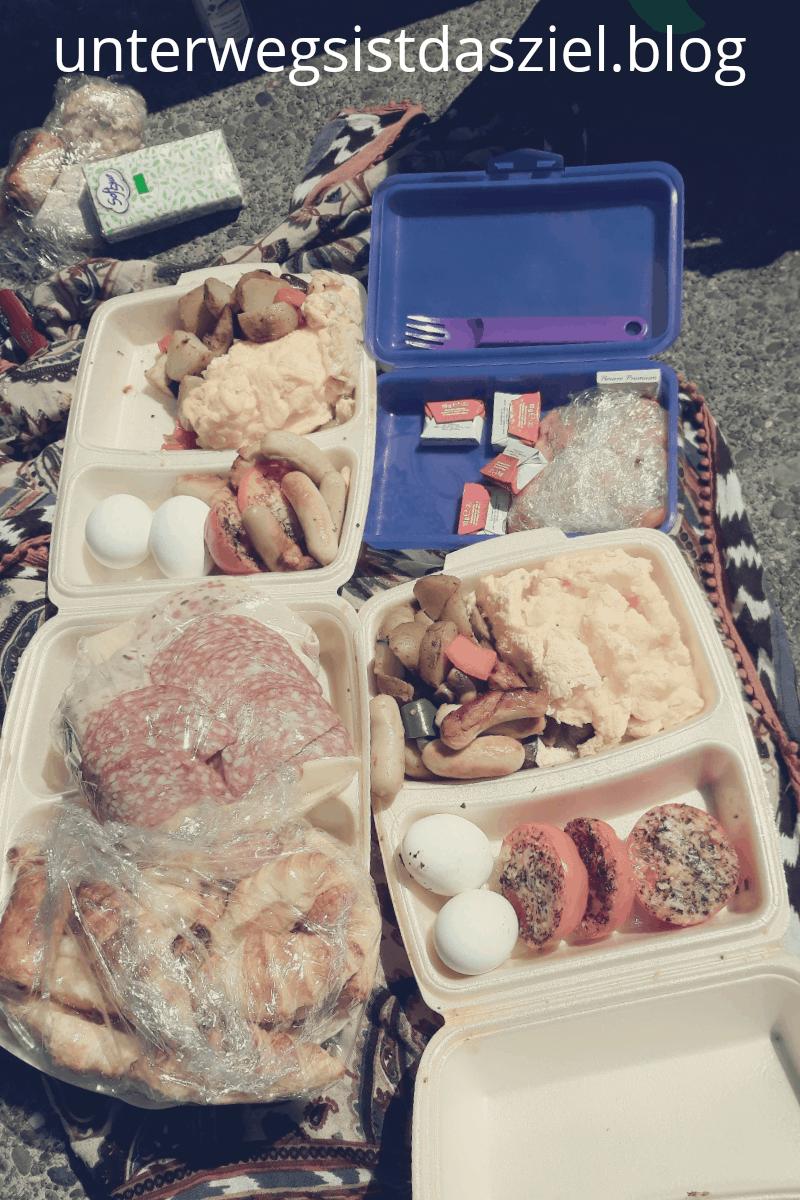 Toogoodtogo Frühstück Portion als picnic am Rhein