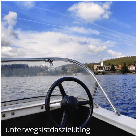 Tretbootfahren auf dem Titisee, eine tolle Aktivität für heisses Wetter