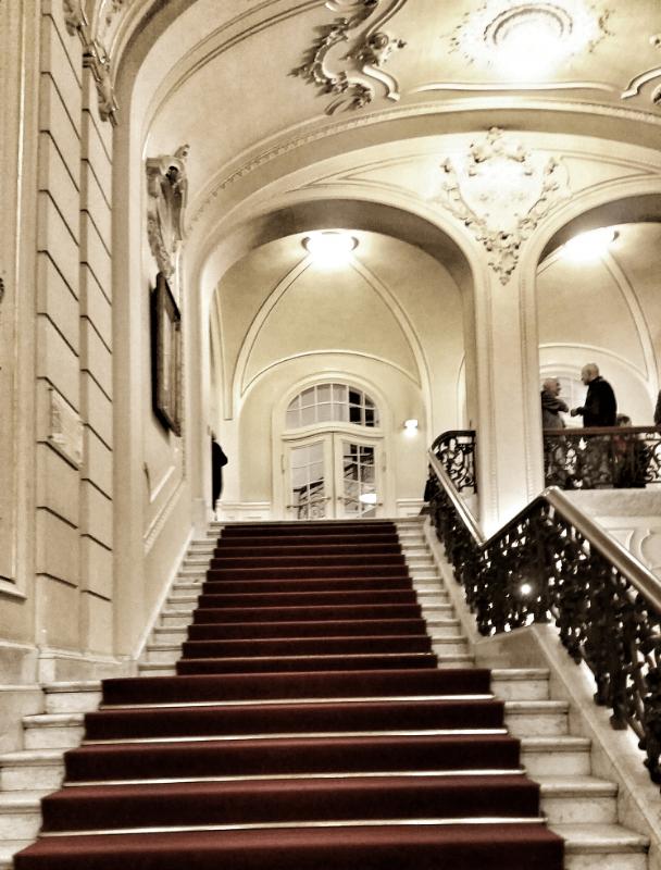 Das beeindruckende Treppenhaus der Musikhalle