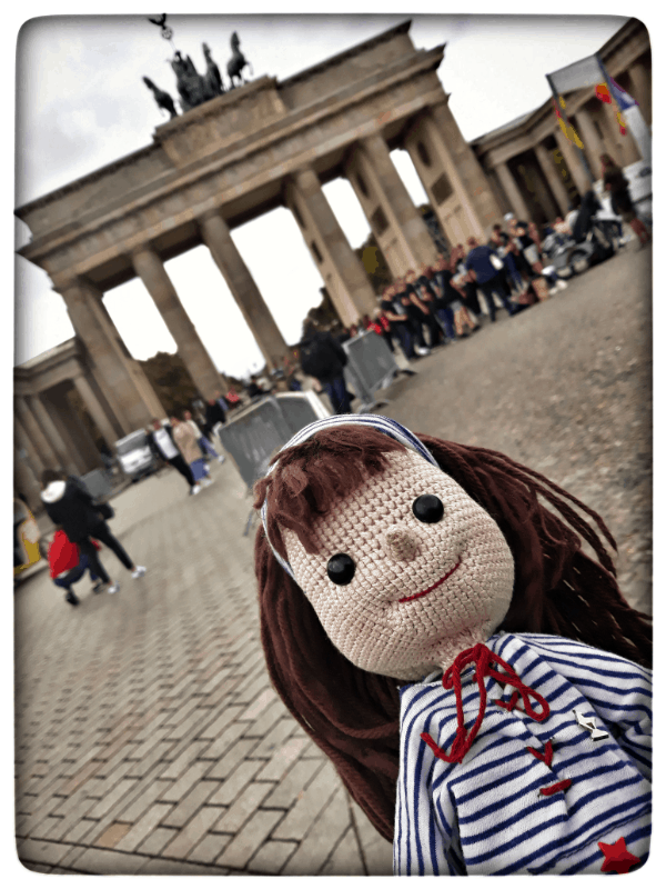 Lilo´s Reise in Berlin am Brandenburger Tor