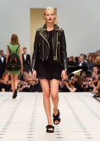 burberry_womenswear_s_s16_collection___look_24_jpg_3493_north_1382x_black