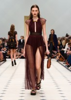 burberry_womenswear_s_s16_collection___look_30_jpg_4375_north_1382x_black