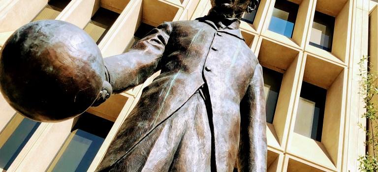 Tesla statue, Palo Alto