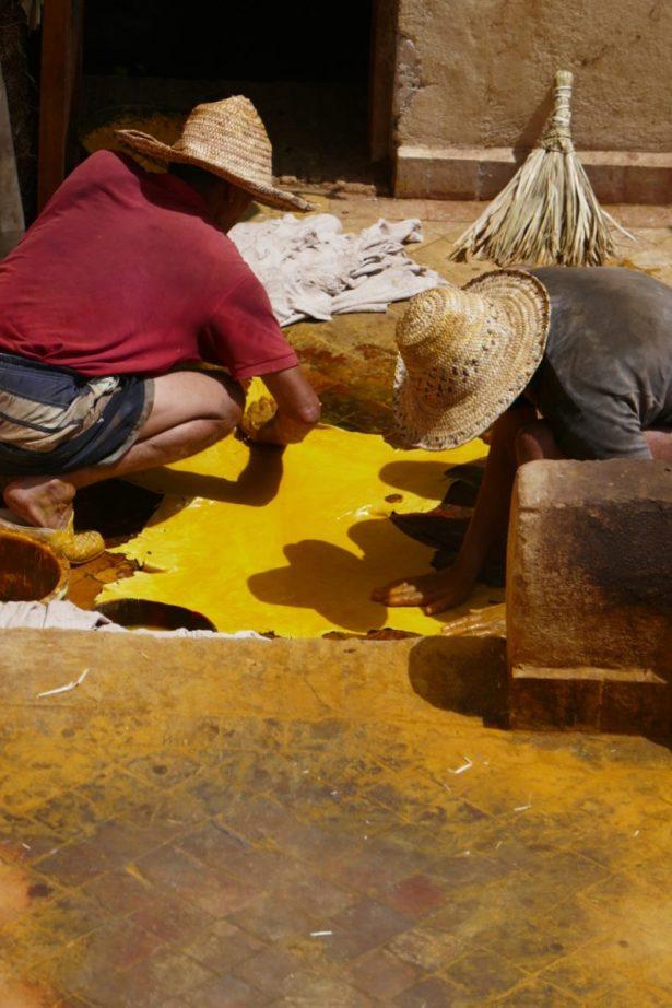 Saffron dying