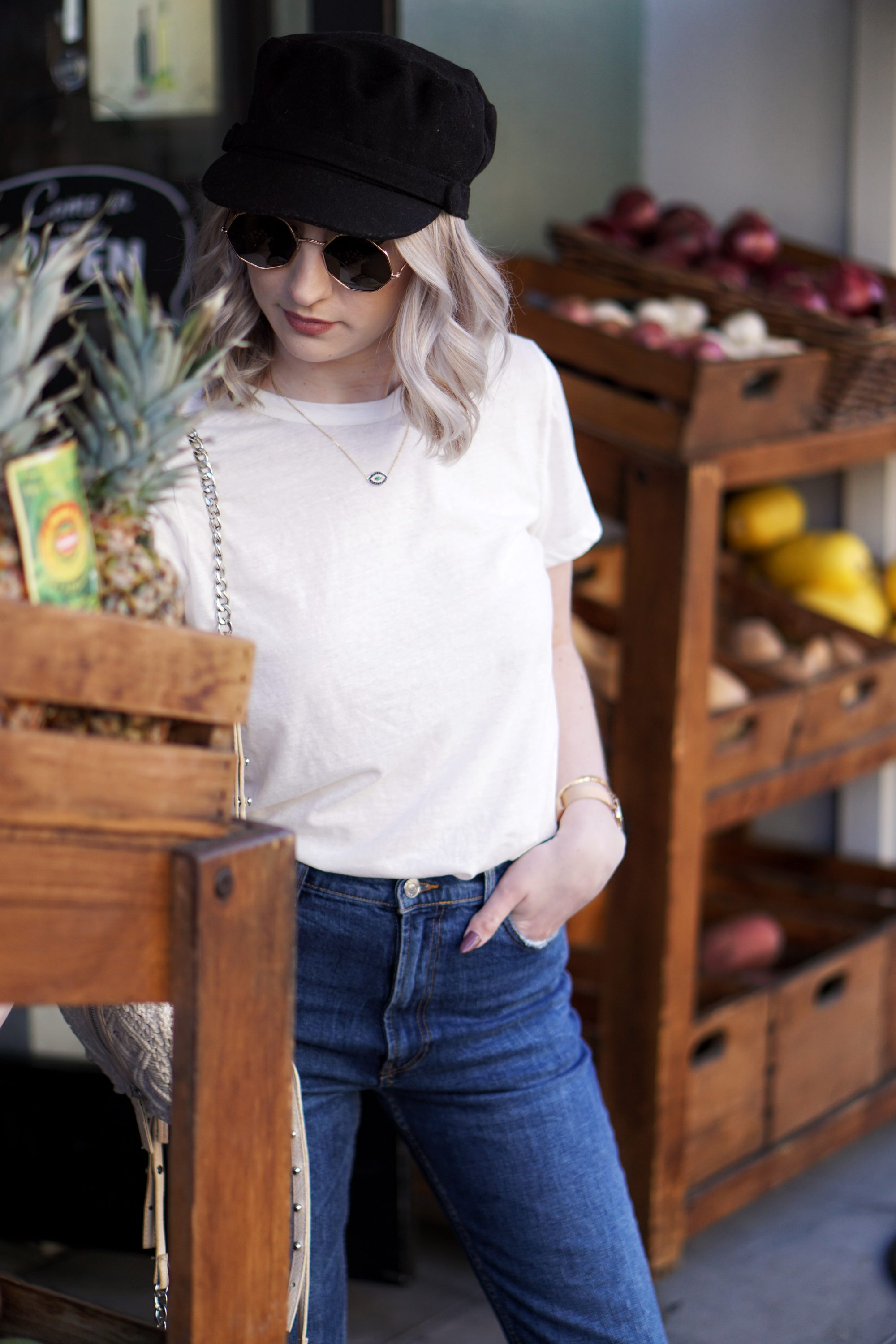 Casual Friday: White Tee & Jeans