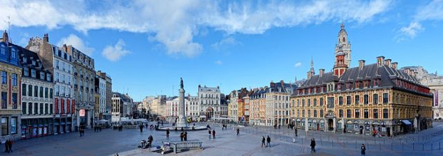 700px-Lille_gd_place