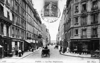 Rue Stephenson (croisement rue Myrha, direction Sud). Source : Goutte d'Or et vous