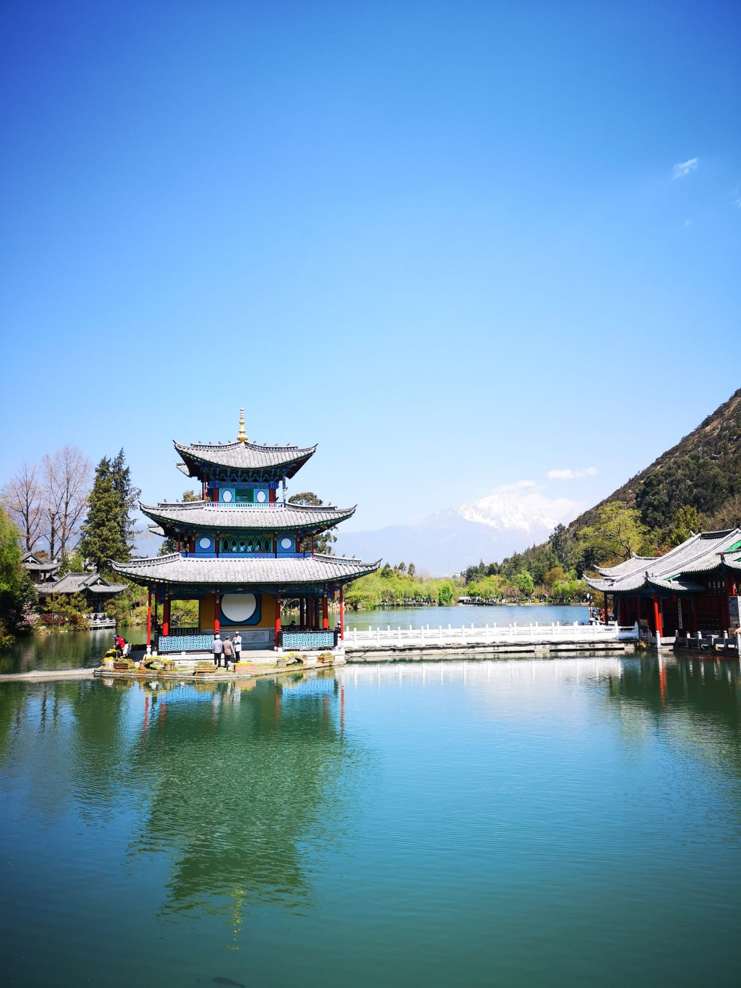 Black Dragon Pond Park Lijiang with Jade Dragon mountain in the background