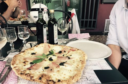 Trueffelpizza in Spacca Napoli - Top 10 Restaurants Bologna
