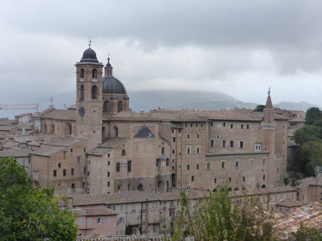 urbino-scorcio-palazzo-ducale