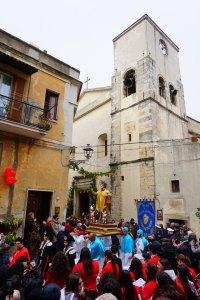 San Valentino in processione per Vico