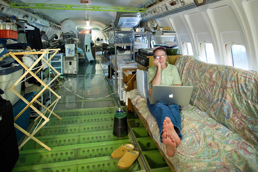 retired-boeing-727-recycled-home-bruce-campbell-10