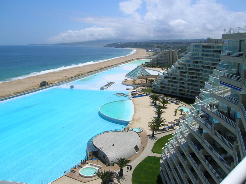 World s largest swimming pool san alfonso del mar unusual places for Largest swimming pool in the us