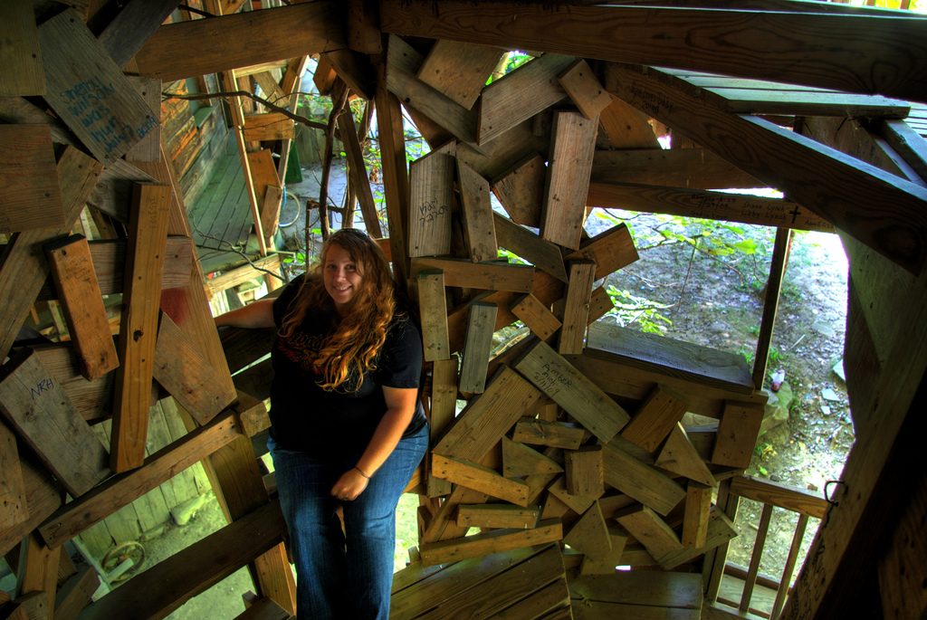 photo credit chuck sutherland - Biggest Treehouse In The World