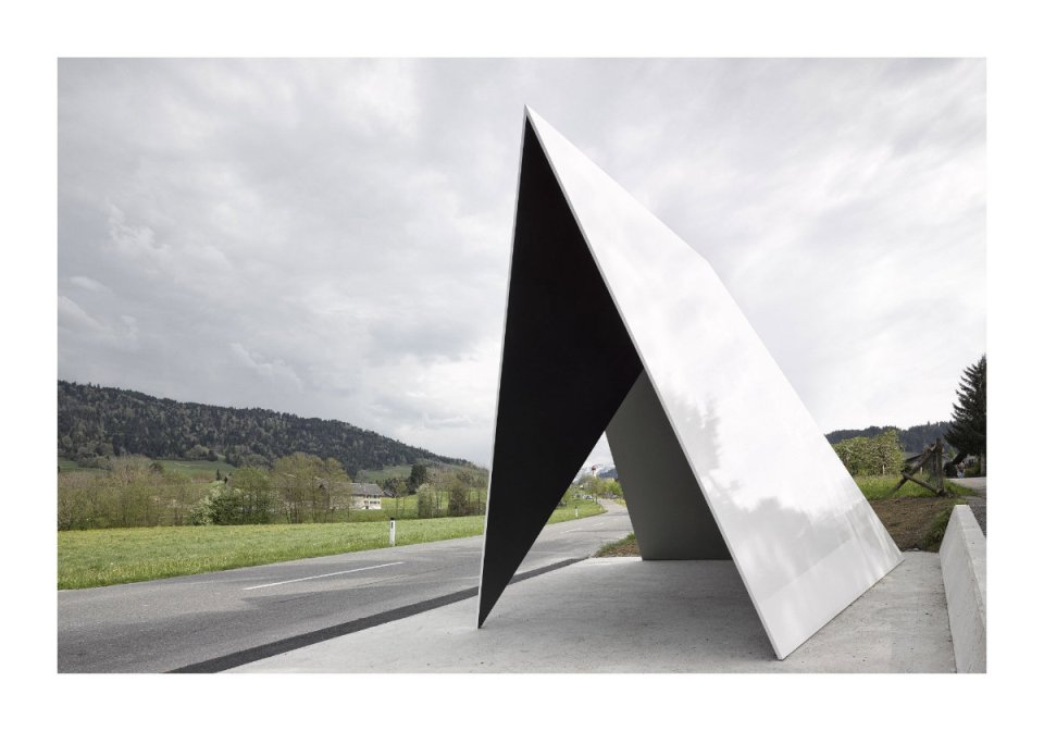 """Architekten de Vylder Vinck Taillieu, Belgium: """"How it is possible that a simple idea of a roof originates from a constantly re-occurring vision of a Sol LeWitt drawing…"""" (Photo: Adolf Bereuter/BUS:STOP Krumbach)"""