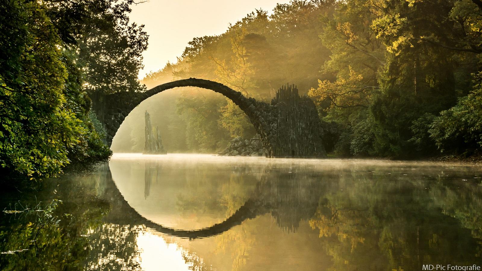 Fantasy Natural Stone Bridge Background