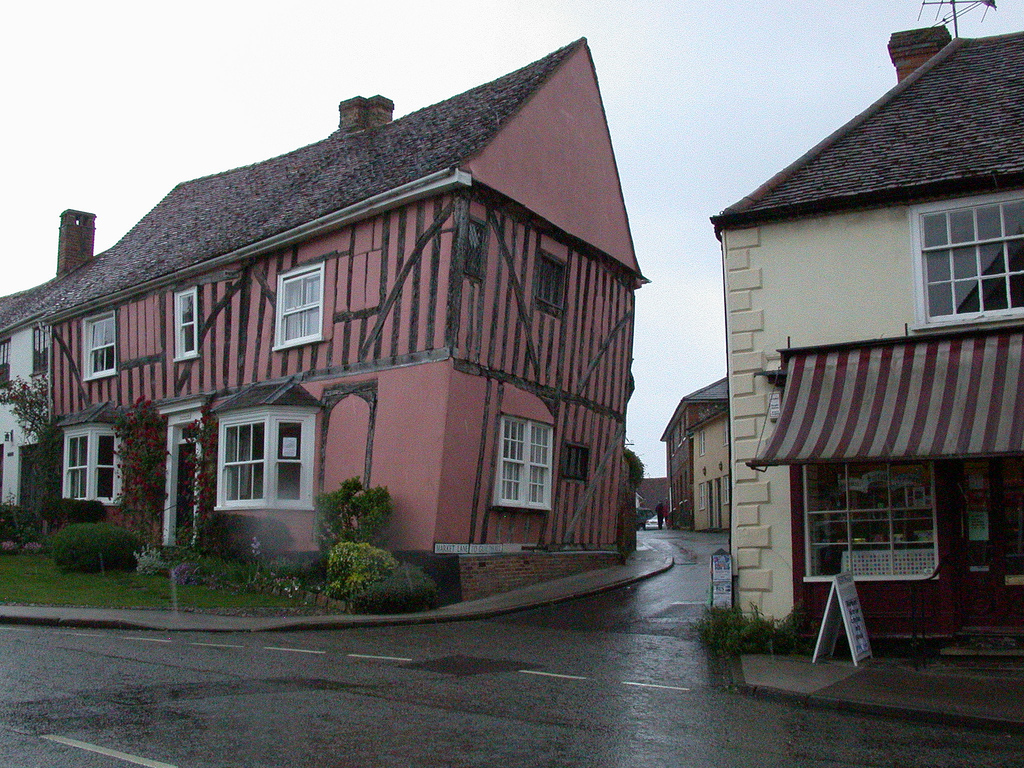 Lavenham crooked houses unusual places for Nuove case coloniali in inghilterra