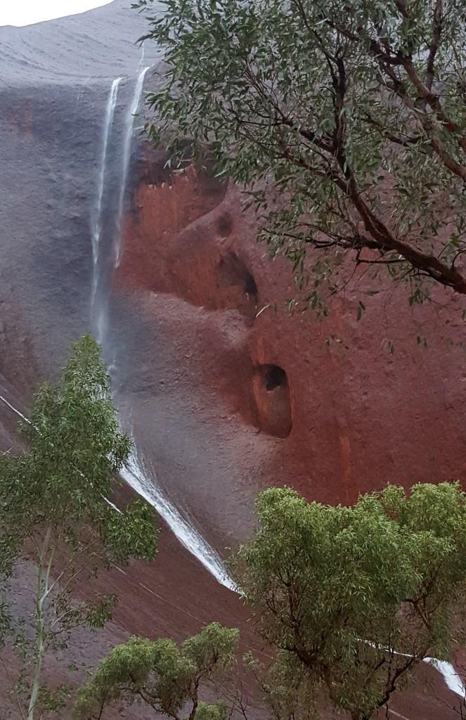 Uluru-waterfalls5