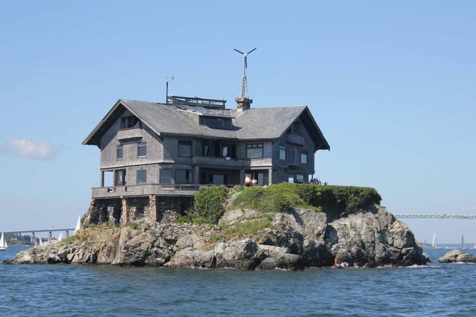 Photo source: mansion-homes.com