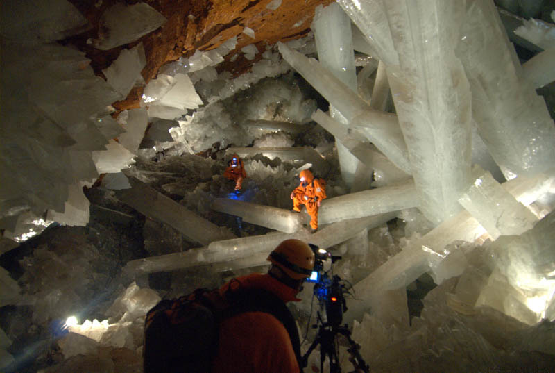 the giant crystal cave a mexican wonder underground unusual places