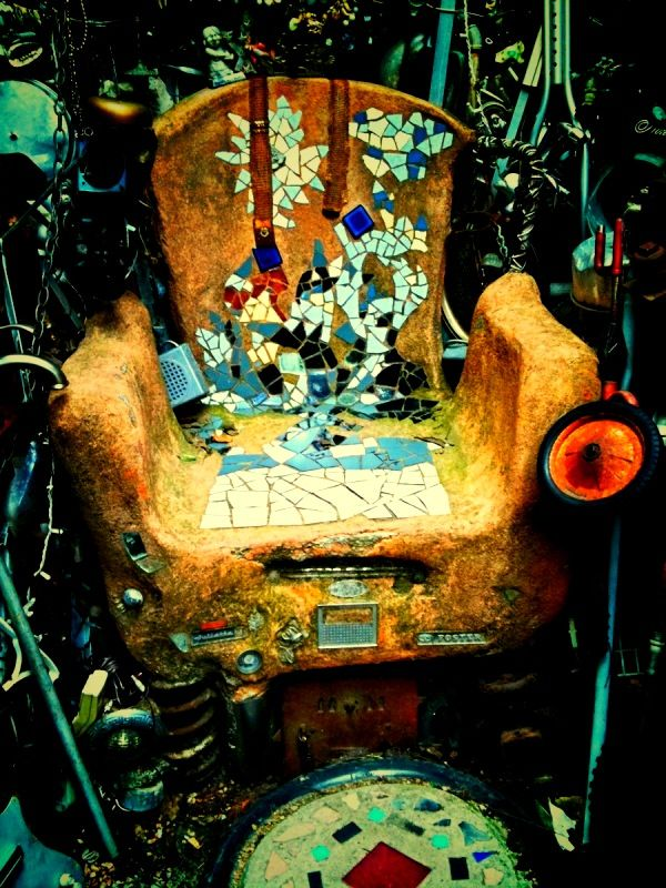 Throne of the Minister of Junk