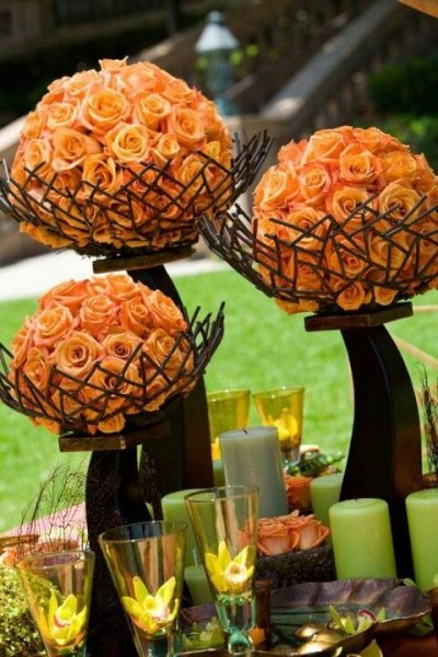 Orange roses table decor